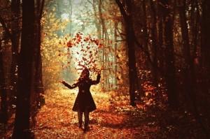 autumn-beautiful-forest-girl-leaves-Favim.com-261214-9759
